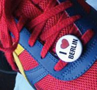Button am Schuh