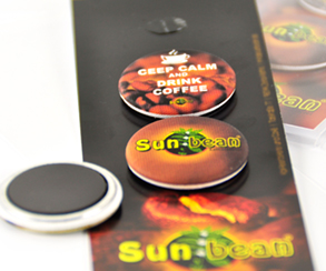 Magnetbuttons auf Karte, Sunbean