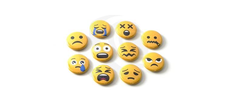 Emoji-Sets mit Sicherheitsnadel